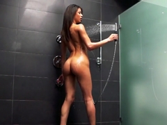 Veronica takes a shower and sucks dick well