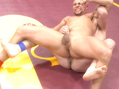 Top Cock: Hot Studs Eli Hunter & Scott Harbor Take it to the Mat