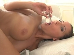 Seductive amateur slut loves rough anal fucking