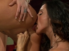 Ariella Ferrera Munches Youthful Carpet