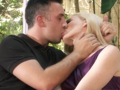 Milfs Like it Big: Husband's Away, Time To Get Laid