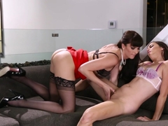 Crazy pornstars Bianca Breeze, Georgia Jones in Incredible Lesbian, Cunnilingus adult clip