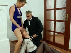 Young pissing eurobabes swap jizz in threeway