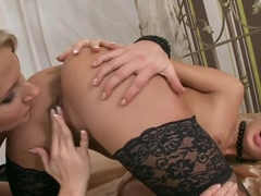 Ary and Ivana Sugar lick their wet pussies