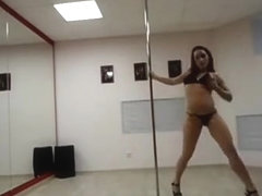 Leila pole dancing