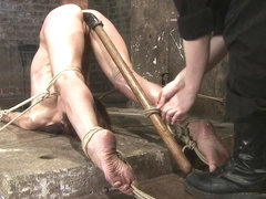Amber Rayne in Amber Rayne Live Show Part 3 - Bent And Fisted - HogTied