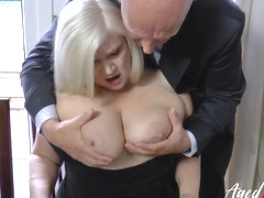 AgedLovE Businessman Came for Mature