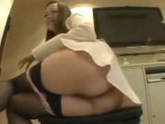 Japanese career girls fart