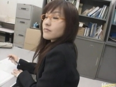 Nao Ayukawa NAughty Asian office chick