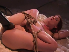 Lilla Katt: She loves some Pain with her Pleasure